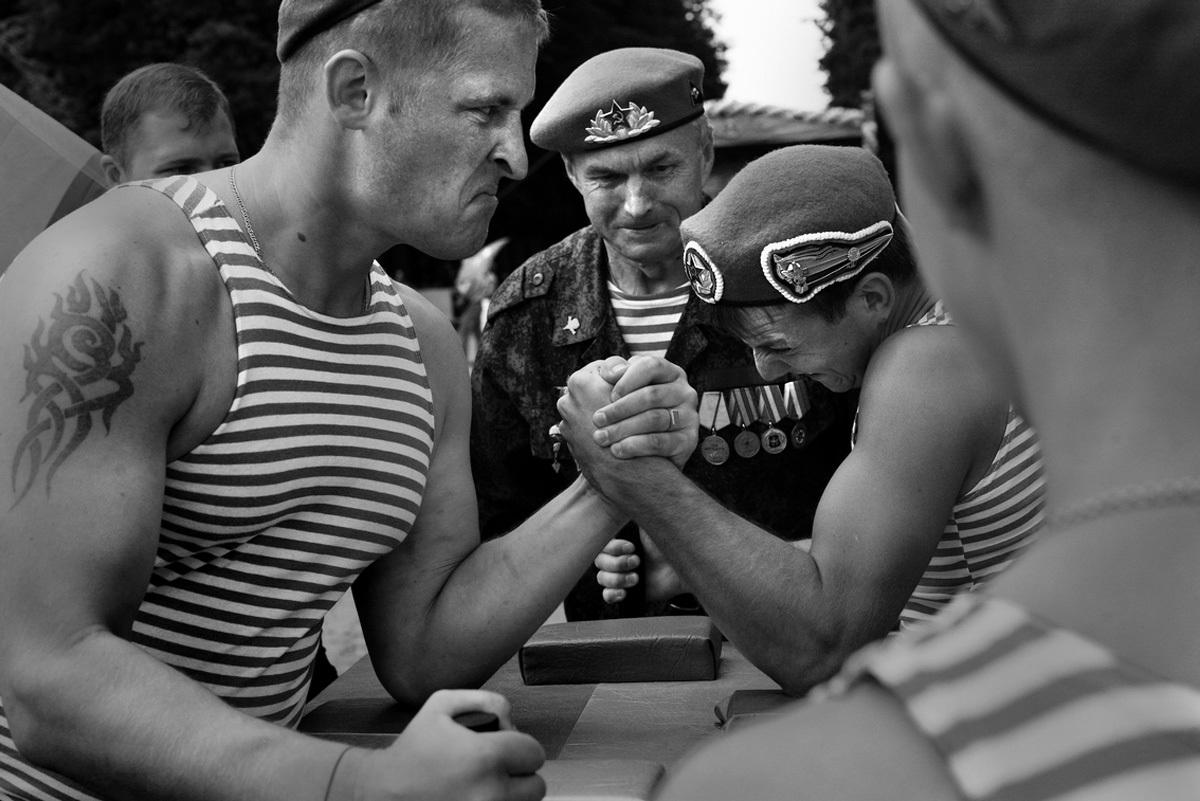 традиции черно белые фото моряков актуальный, полный